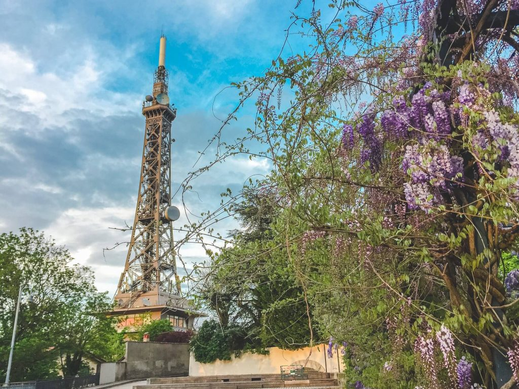 Eiffelova věž v Lyon, Francie - Andyho Cestopisy
