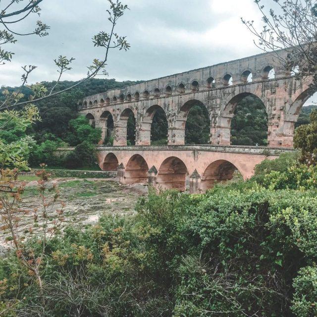 Pont de Gard - most nedaleko města Avignon, Francie - Andyho Cestopisy